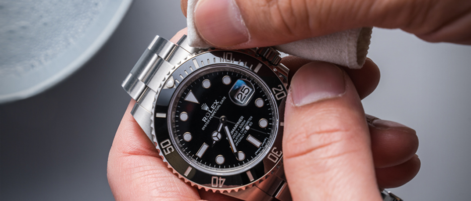 Lint Free microfiber cloth and rolex submariner
