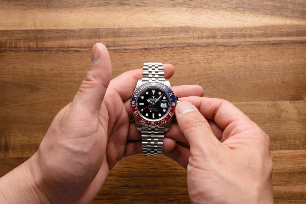 How to Use the Rolex GMT-Master